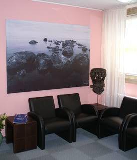 Blick ins Wartezimmer der Zahnarztpraxis Meiser